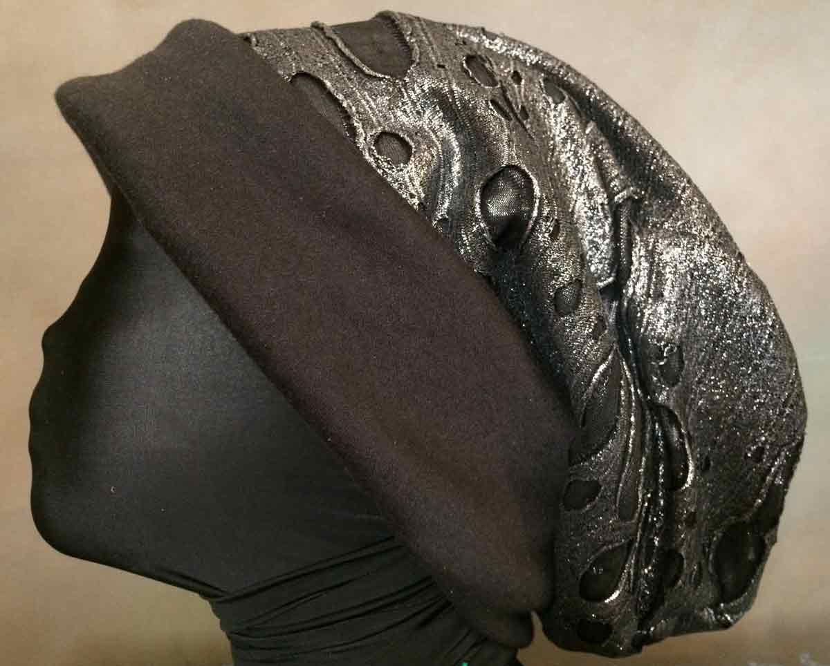 oversize-slouchy-cap-polyknit-metallic-w-cotton-jersey-lining
